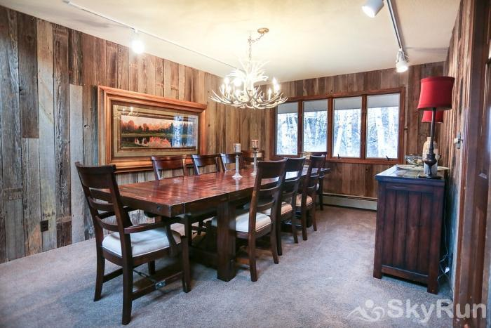 711 Spruce St. 6BR Dining Room